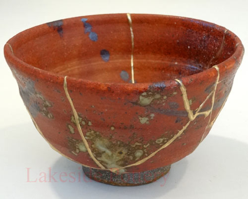 wood-fired-bowl-kintsugi-repair